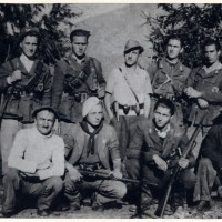 Fig. 13 Gruppo di partigiani a Borgiallo (To) nell'ottobre 1944 [Archivio Istoreto, fondo Novascone]