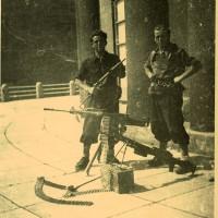 Fig. 18 Partigiani a Sestriere [Archivio Istoreto, fondo fotografico Fondazione solidarietà nazionale]