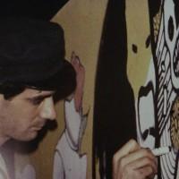 """1984 – Andrea Pazienza disegna durante una delle serate di """"Rap&Show"""". [art direction Elisabetta Ognibene/Kennedy's studios]"""