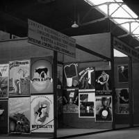 Stand del Comitato nazionale per il latte alla Mostra internazionale della pubblicità per il consumo dei prodotti agricoli, allestita all'interno della Fiera Campionaria di Milano del 1932 (Archivio Fondazione Fiera di Milano).