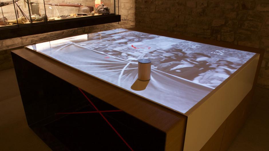 I due versanti della memoria la repubblica di - Tavolo multimediale ...