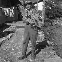 Fig. 4 Autunno 1944, Borgata Fontane (val Germanasca). Ettore Serafino [Archivio famiglia Serafino]