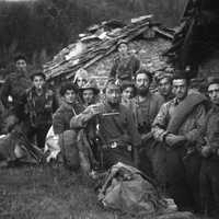 Fig. 8 Settembre 1944, partigiani in val Chisone [Archivio famiglia Serafino]